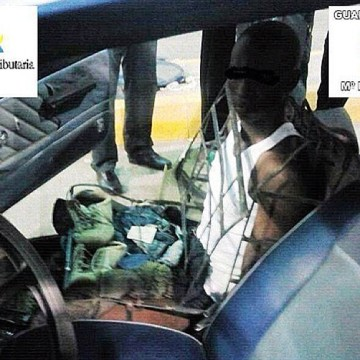 Illegal Immigrant Camouflages As Car Seat?!