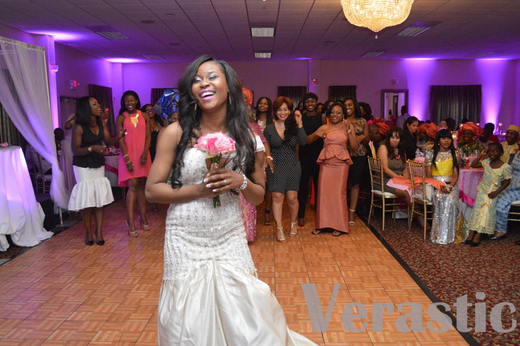 Sade was about to throw the bouquet to the single ladies
